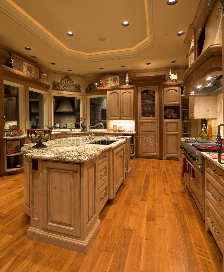 Luxury Home Kitchens: Luxury Kitchen Royalty Free Stock Image