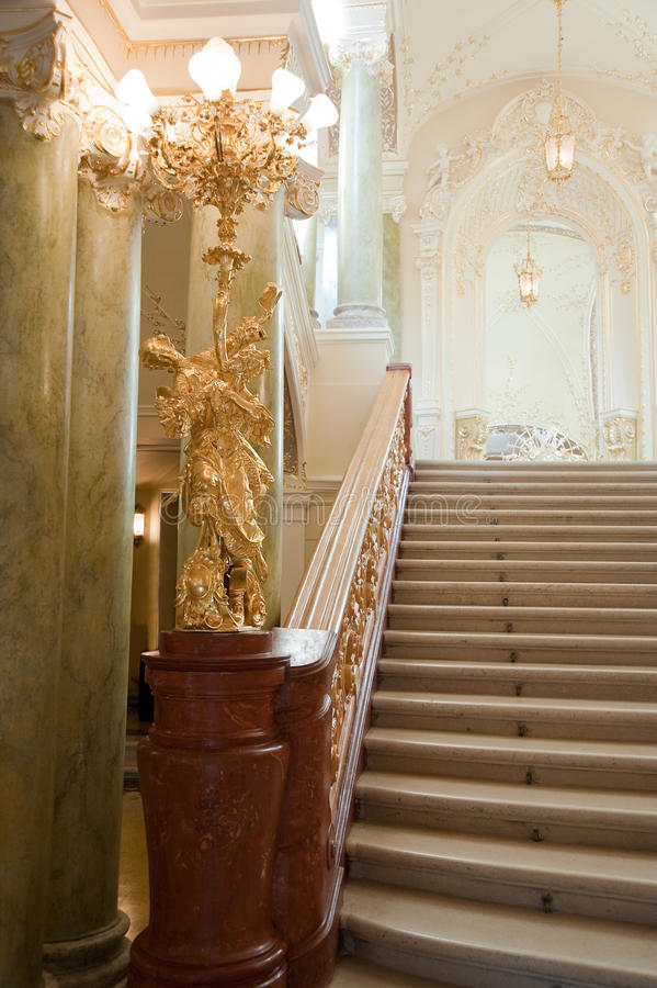 Free Luxury Stairway Royalty Free Stock Images - 12921889