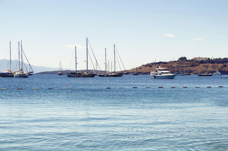 Luxus yachts Segelboote lizenzfreies stockbild