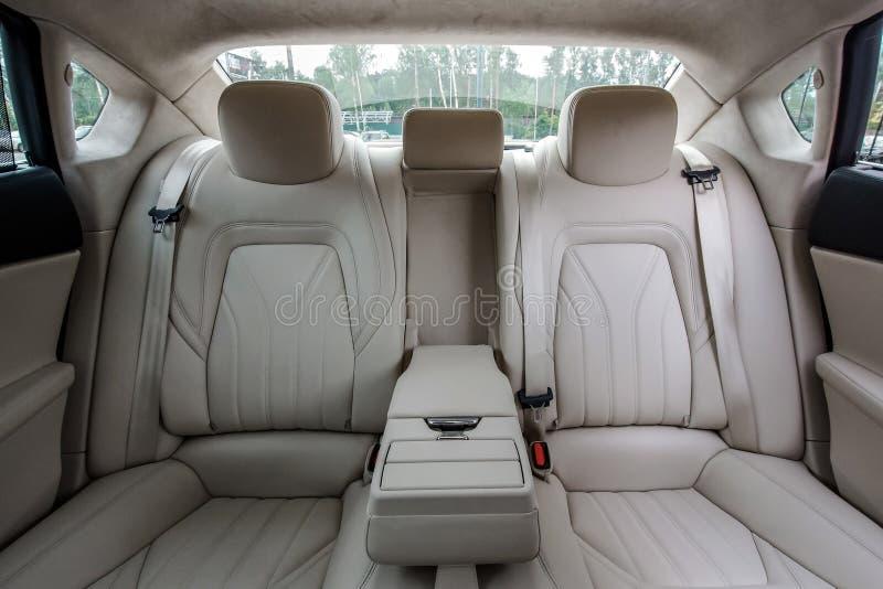 Luxusautoinnenraum stockfoto