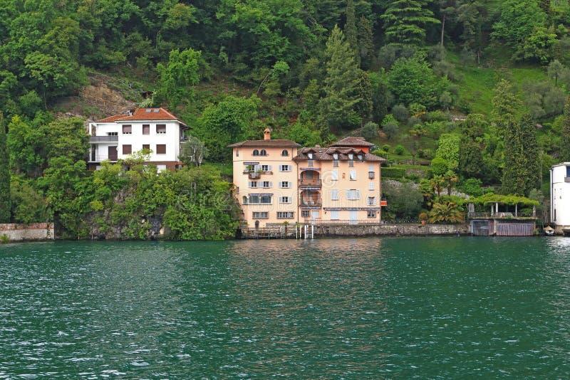 Luxusentwicklung von Lugano lizenzfreie stockbilder