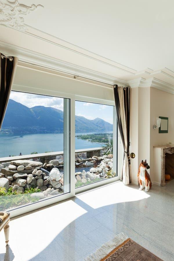 Luxushaus wohnzimmer stockfoto bild von klassisch for Architektur klassisch