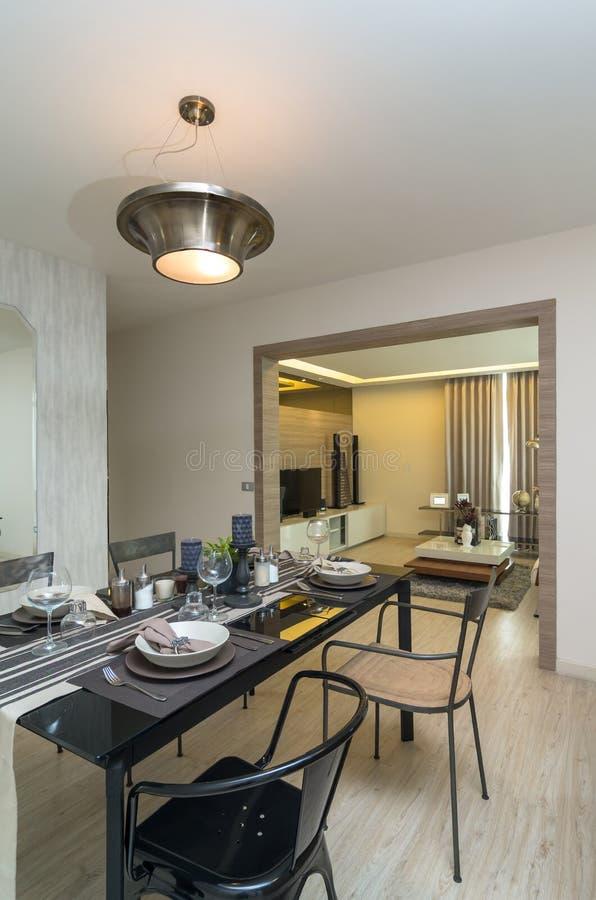 Luxusinnenküche, Dinning-Raum stockbilder