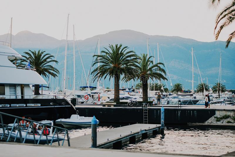 Luxuty jachty w Porto Montenegro Elita teren Tivat fotografia stock