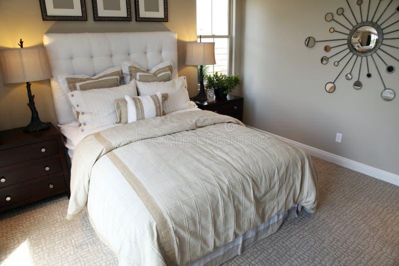 Luxuxhauptschlafzimmer stockbilder