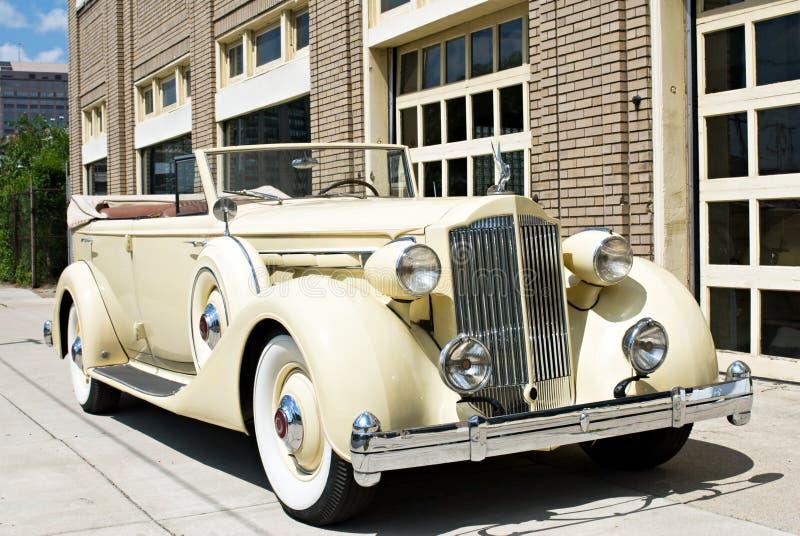 Luxuxweinlese-Auto lizenzfreies stockfoto