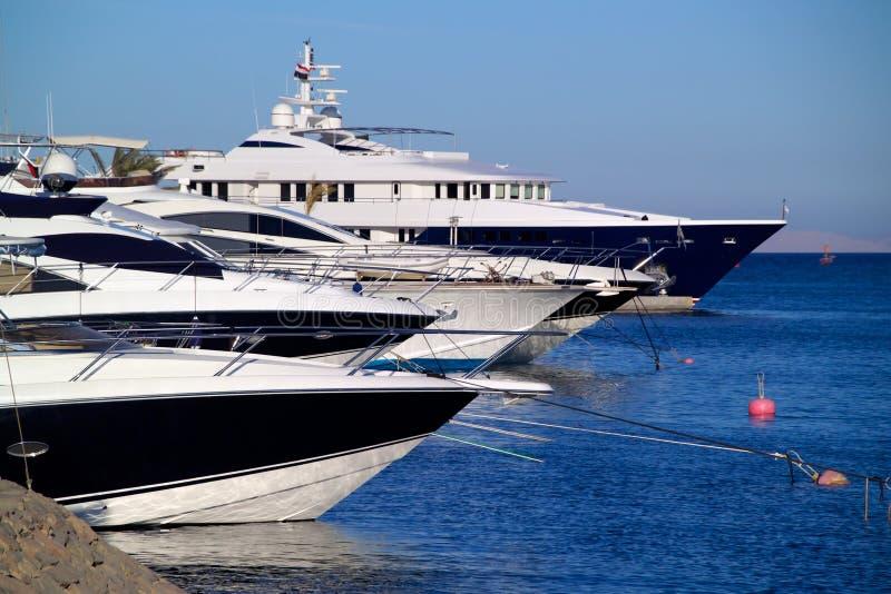 Luxuxyachten auf dem Roten Meer stockfotos