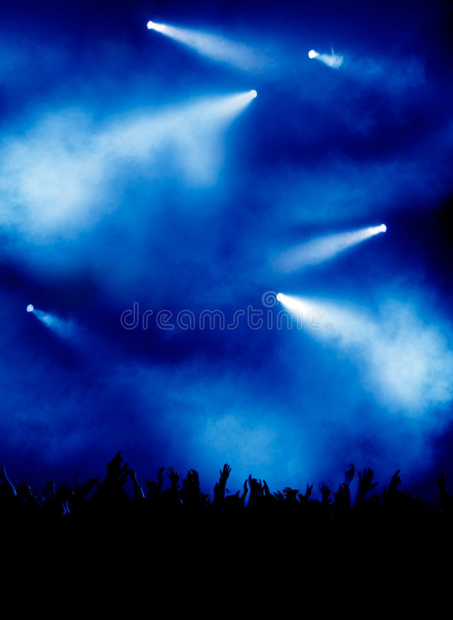 Luz azul en el concierto imagenes de archivo