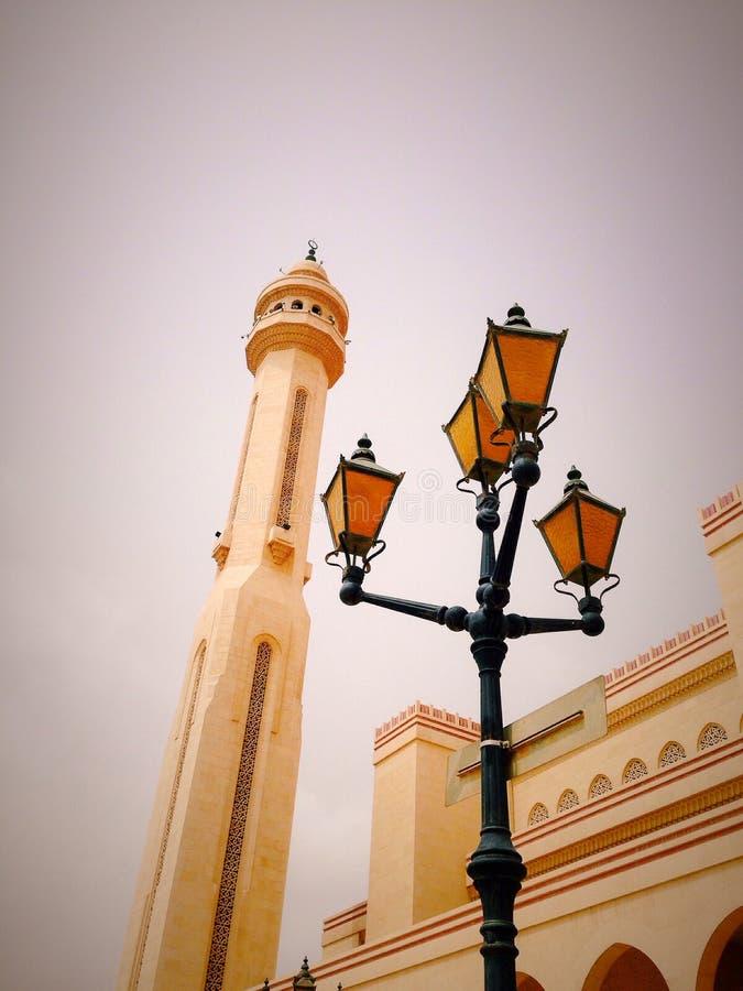 Luz Bahrein de la mezquita de la bóveda foto de archivo