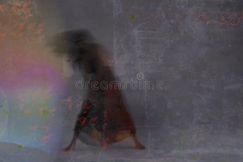 Luz Bailarina Y Mujer Sombra imágenes de archivo libres de regalías