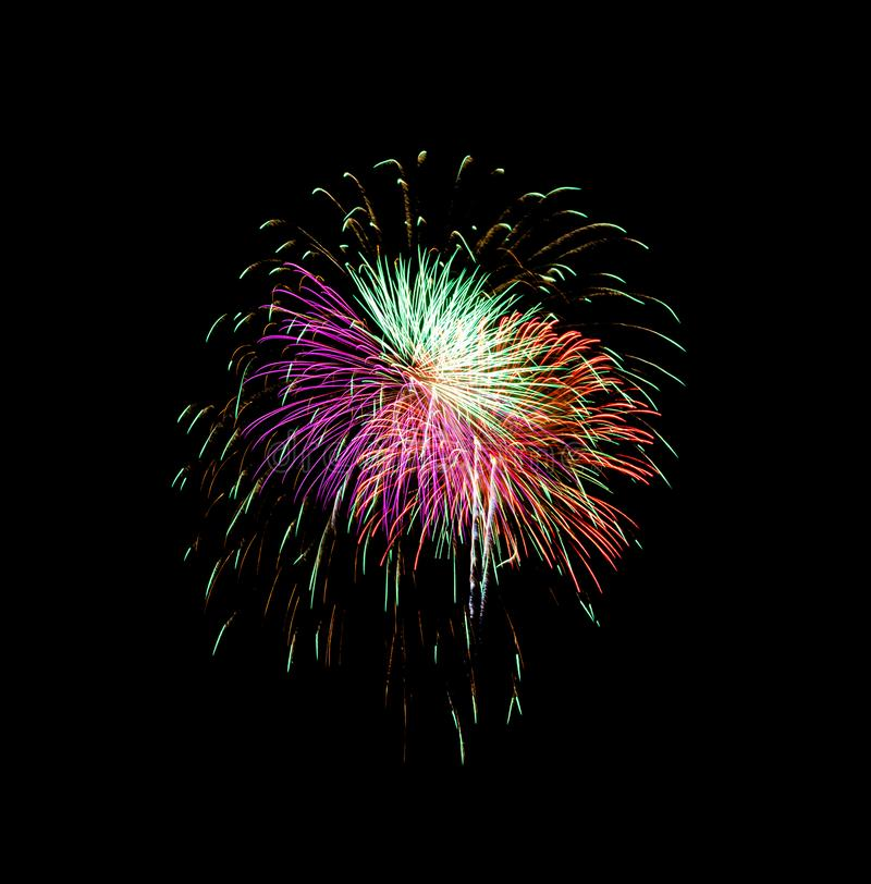 Luz bonita para comemorar fogos de artifício coloridos festivos no céu noturno foto de stock royalty free