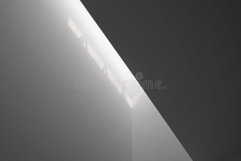 Luz branca em paredes fotos de stock royalty free