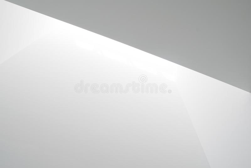 Luz branca em paredes foto de stock royalty free