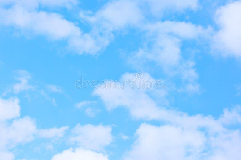 Luz - céu azul imagens de stock