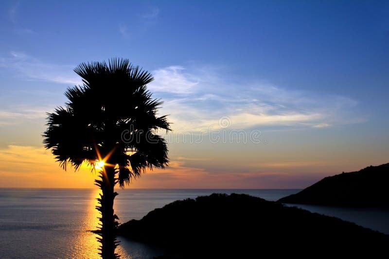 Luz crepuscular esse Laem Phrom Thep. , foto de stock