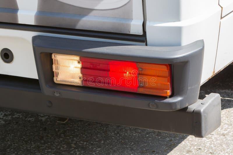 Luz da cauda de uma grande camionete fotografia de stock royalty free
