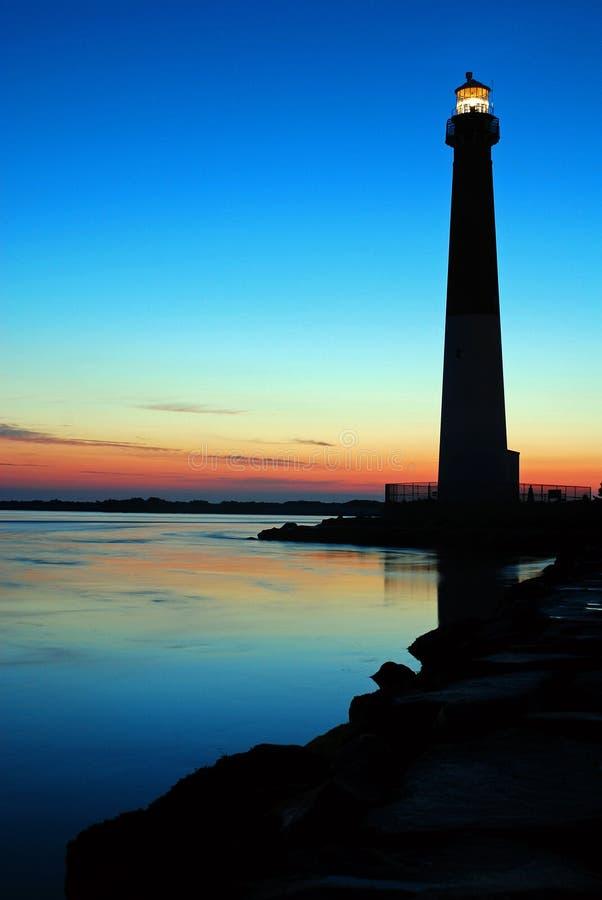 A luz de Barnegat brilha contra um céu do nascer do sol fotografia de stock royalty free