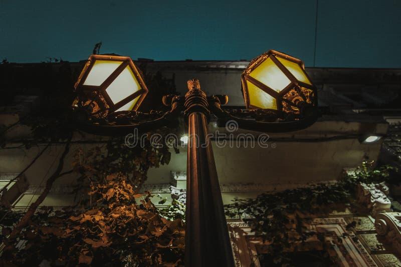 Luz de calle ligera de la noche imágenes de archivo libres de regalías