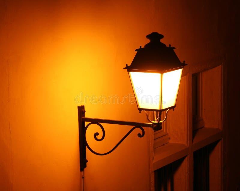 Luz de calle pasada de moda imagen de archivo libre de regalías