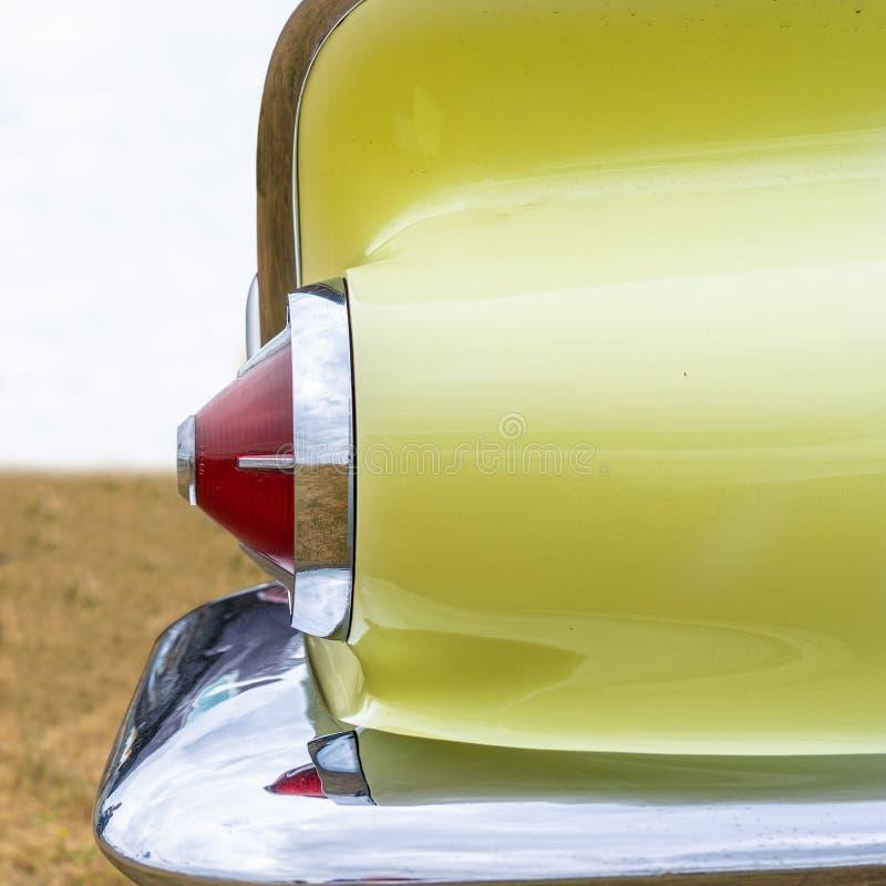 Luz de la cola de un coche americano retro del músculo a partir de los años 50 fotografía de archivo libre de regalías