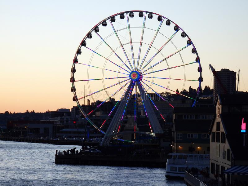 Luz de la gran rueda de Seattle con las luces LED foto de archivo libre de regalías