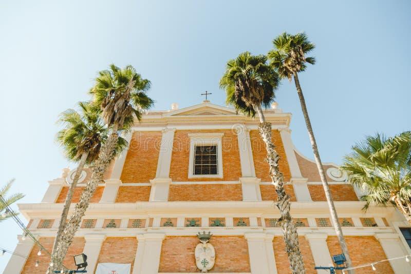 Luz de la iglesia de San Pedro en Jaffa Israel foto de archivo libre de regalías