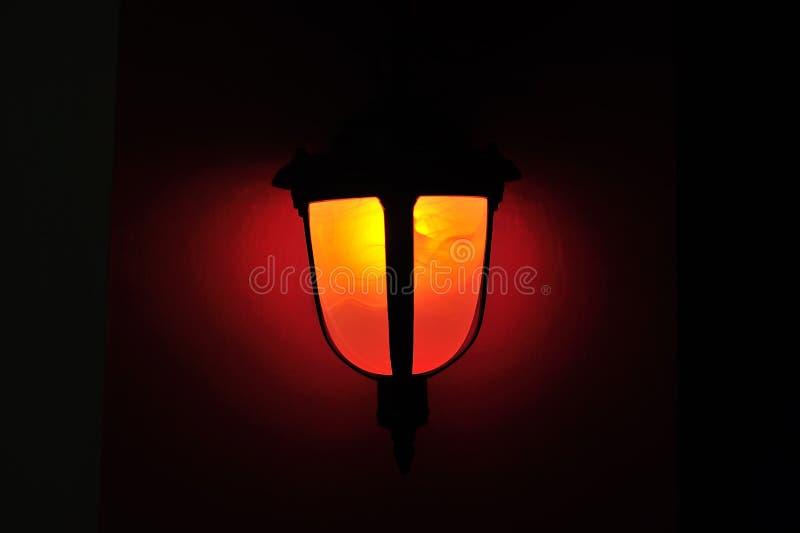 Luz de la lámpara en lugar del estudio fotos de archivo libres de regalías