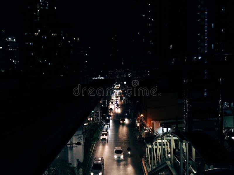 Luz de la noche del camino fotografía de archivo