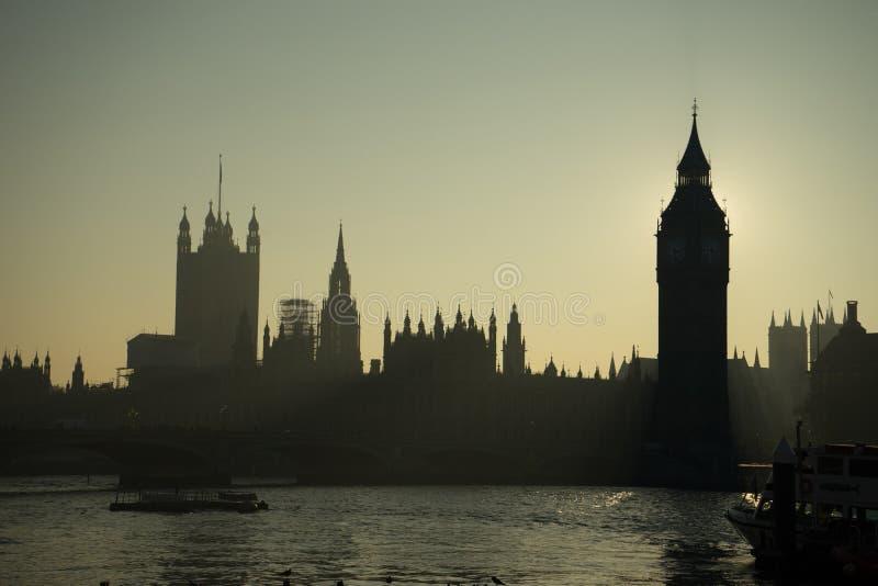 Luz de la parte posterior de Big Ben imágenes de archivo libres de regalías