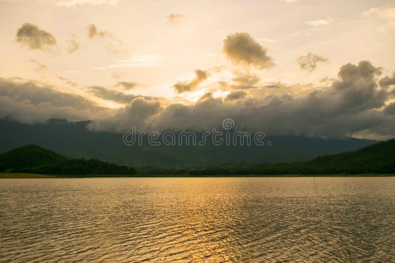 Luz de la puesta del sol foto de archivo