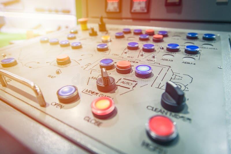 Luz de painel do controle da máquina do interruptor e botão industriais da volta fotos de stock