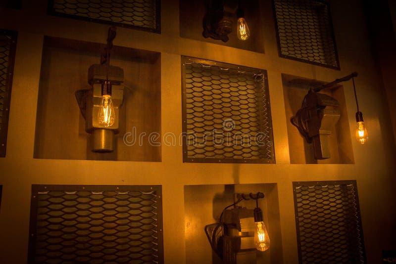 Luz de rua da luz da noite do bulbo foto de stock