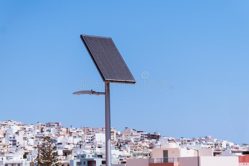 Luz de rua posta solar em Grécia fotos de stock royalty free