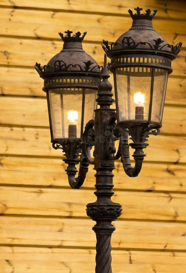Luz de rua velha imagens de stock