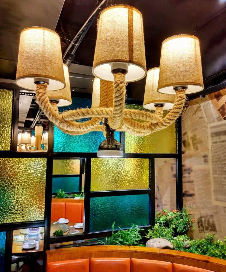 Luz de techo en restaurante foto de archivo libre de regalías