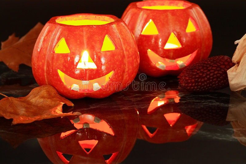 Luz de vela de Halloween fotos de stock royalty free