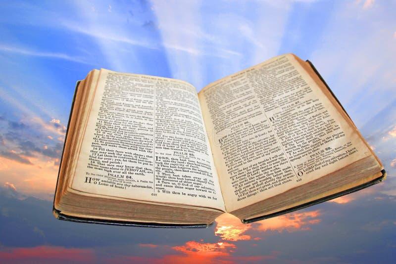 Luz divina de la biblia de la verdad fotos de archivo