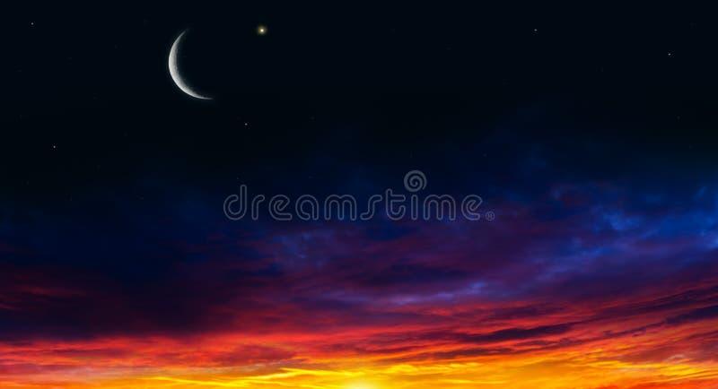 Luz do c?u Fundo da religi?o O c?u na noite com estrelas Lua nova Fundo de Ramadan Tempo da ora??o imagem de stock