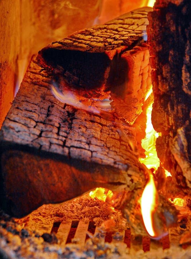 Luz do fogo de madeira fotografia de stock