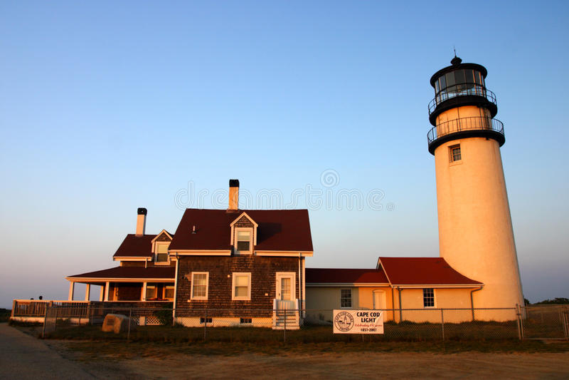 A luz do ponto da raça é um farol histórico no bacalhau de cabo, Massachusetts imagens de stock royalty free