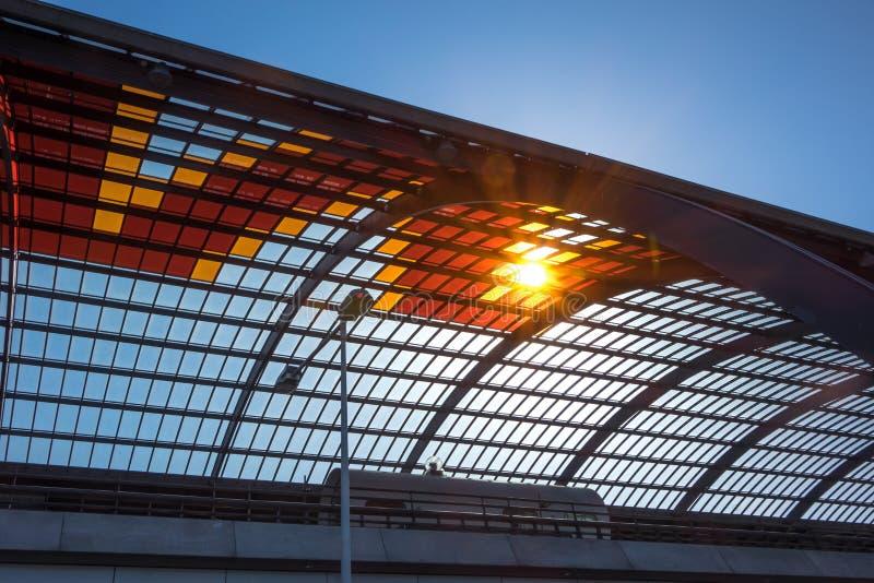 Luz do sol através do telhado imagens de stock