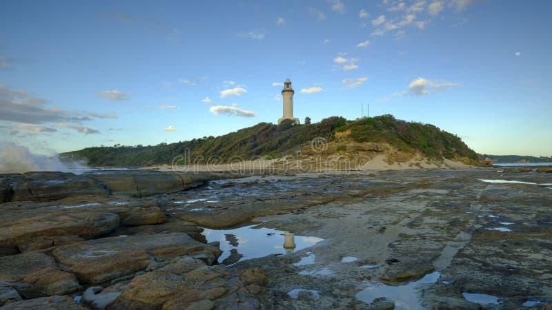 Luz dourada da manh? do ver?o em Norah Head Light House, costa central, NSW, Austr?lia imagem de stock royalty free