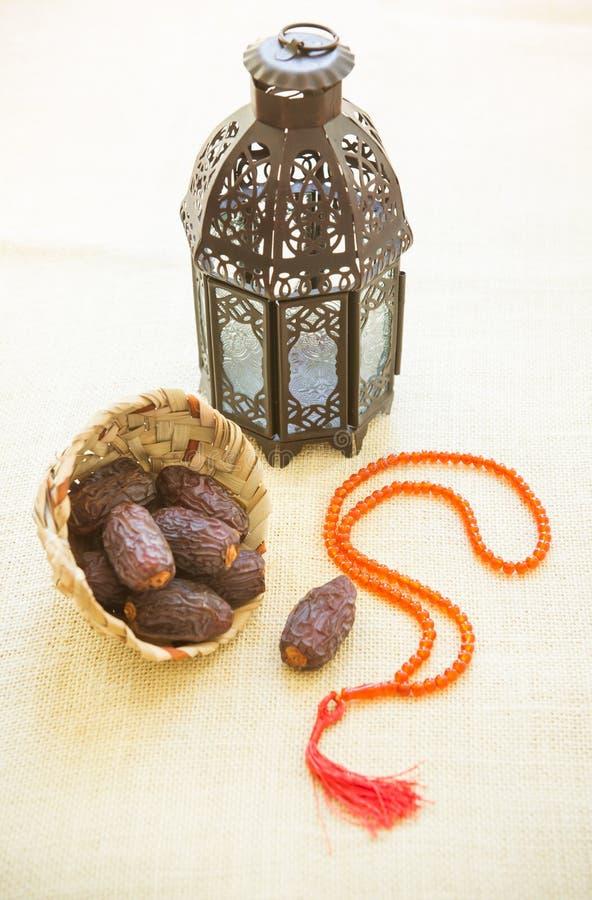 Luz e datas da ramadã foto de stock