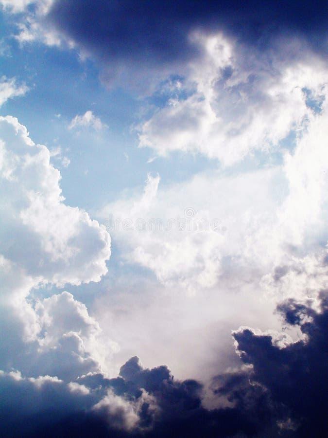 Luz e nuvens fotos de stock