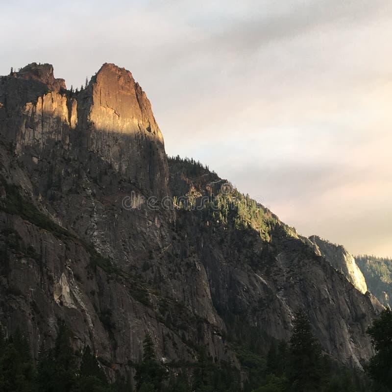 Luz en el top de la montaña foto de archivo libre de regalías