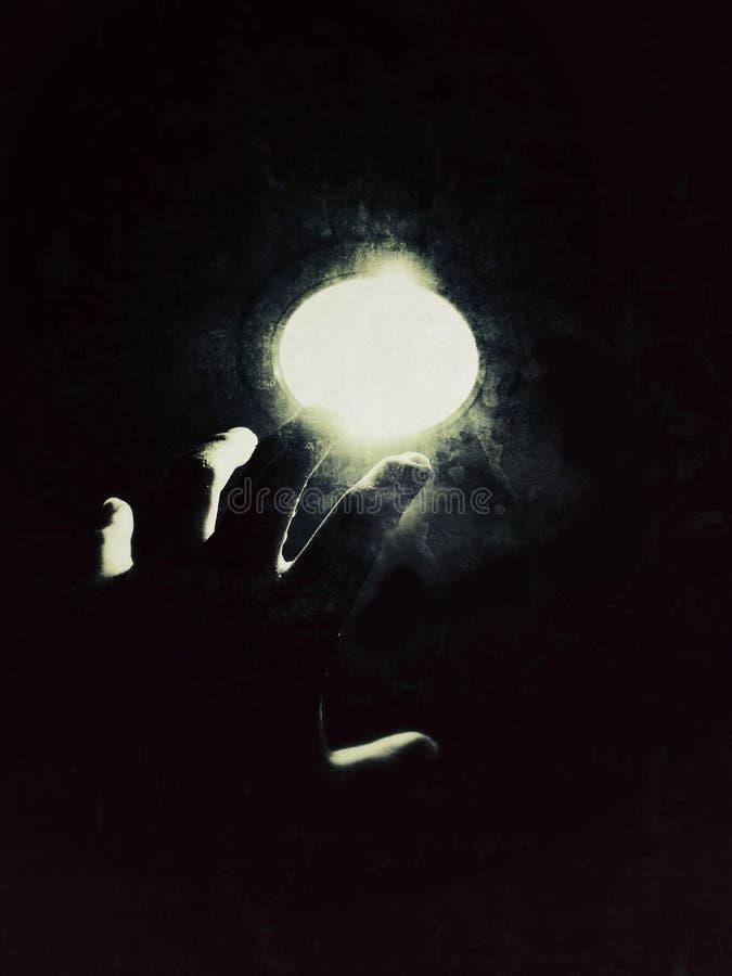 Luz en la oscuridad imagen de archivo libre de regalías