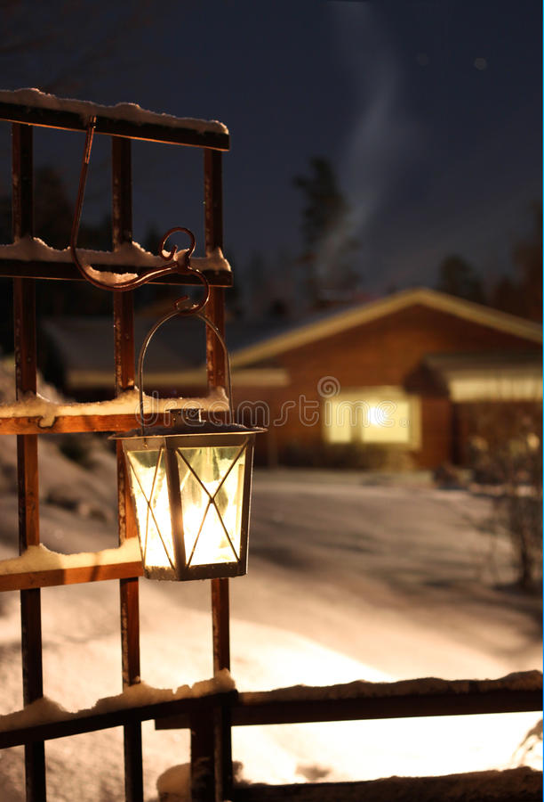 Luz en linterna de la vela fotos de archivo libres de regalías