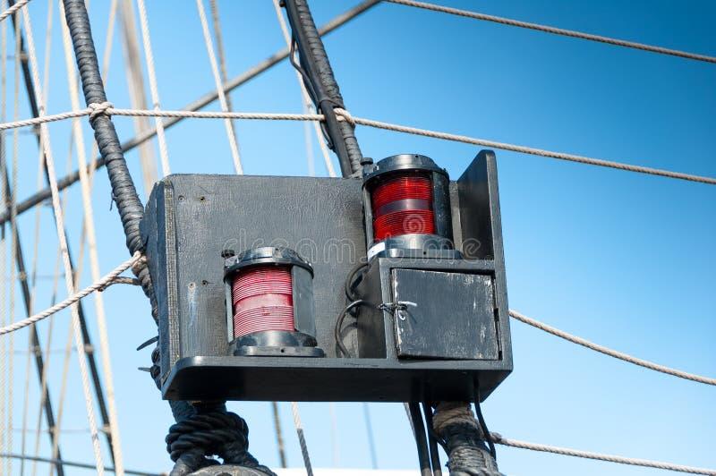 Luz lateral em um barco imagens de stock
