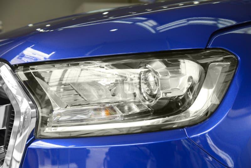 Luz moderna da cabeça do carro imagem de stock royalty free
