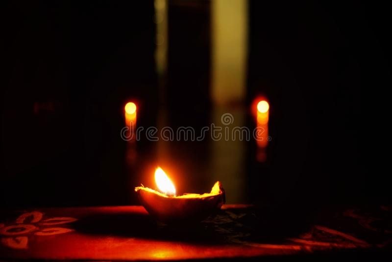 Luz na escuridão fotos de stock royalty free